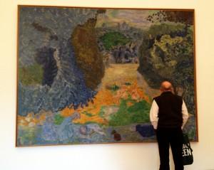 Fletcher looking at Bonnard Painting